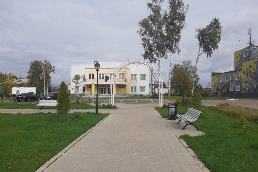 Большая зона отдыха вместо пустыря: в Туношне завершен четвертый этап благоустройства парка