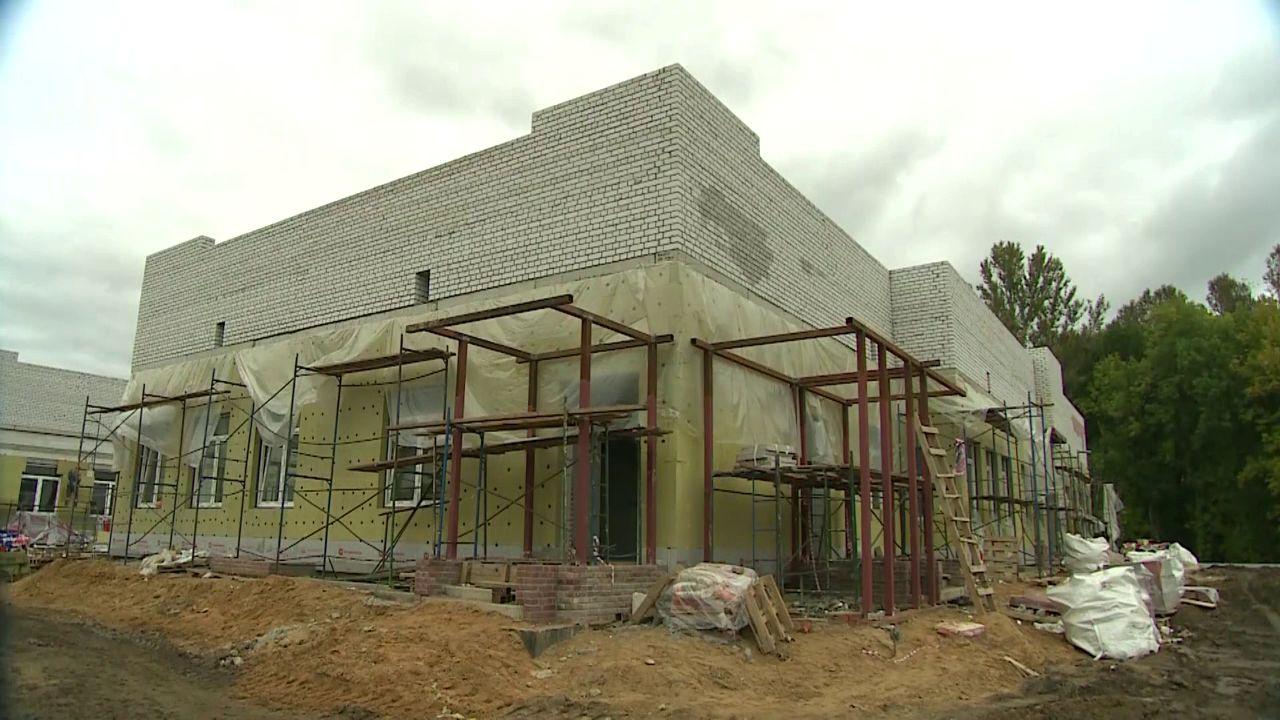 В Дзержинском районе вовремя окончат строительство двух детских садов