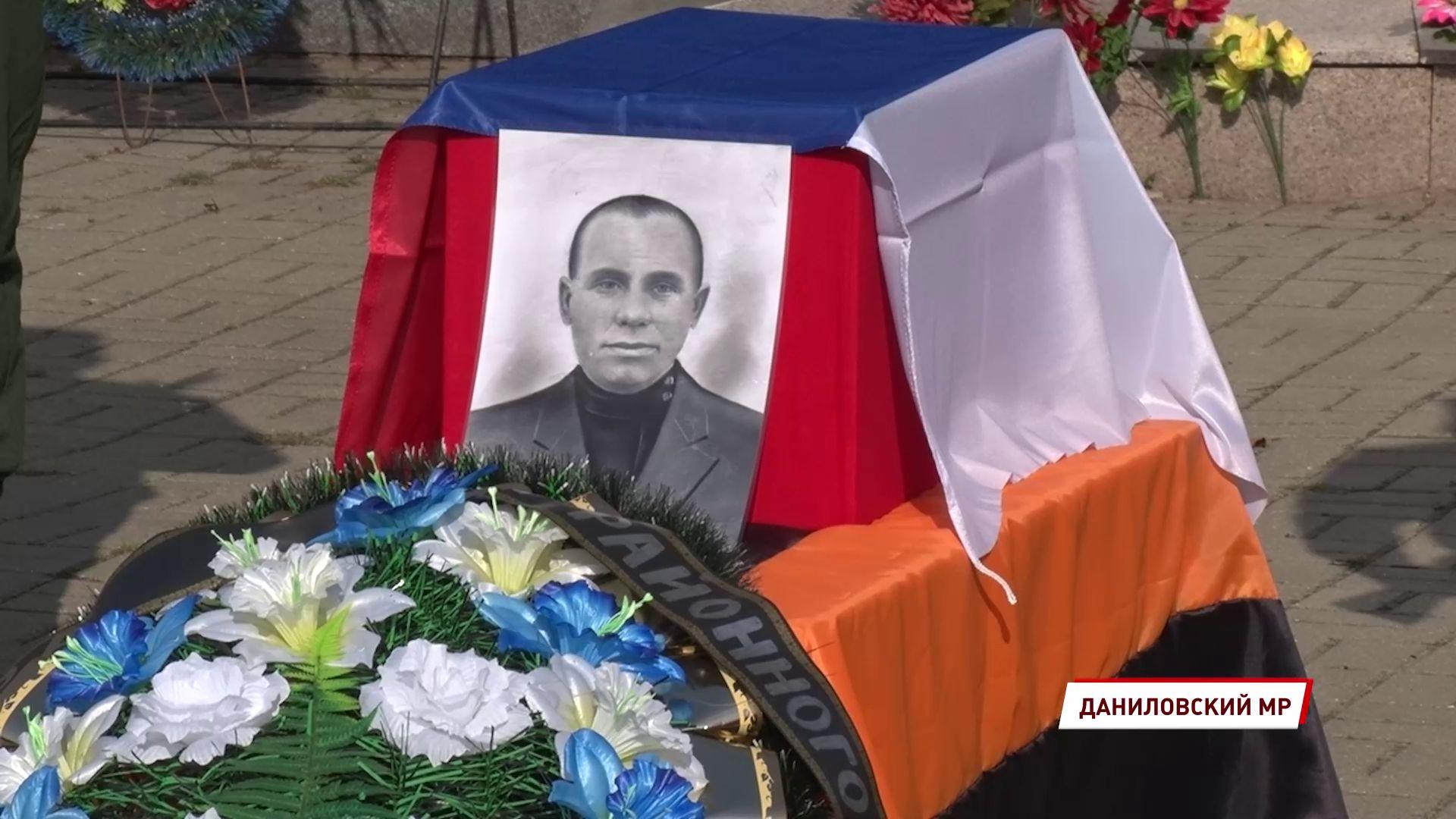 В селе Середа перезахоронили останки красноармейца Фёдора Киселёва
