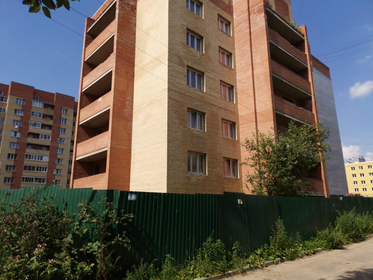 Проблемный жилой дом на улице Гражданской в Ярославле должны достроить до конца года