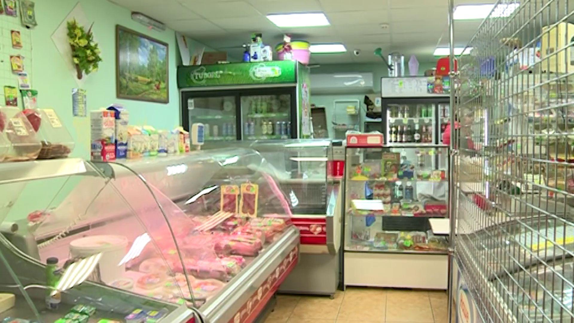 Магазин в поселке Ивняки попался на продаже нелегального алкоголя