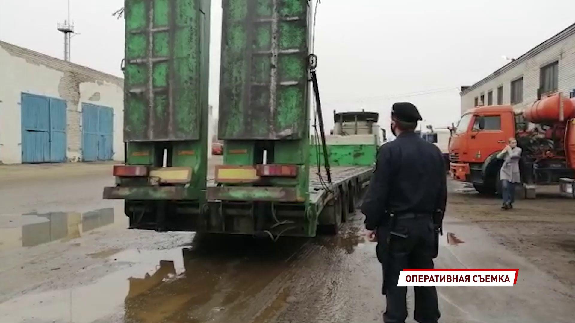 В Ярославле приставы арестовали два грузовика