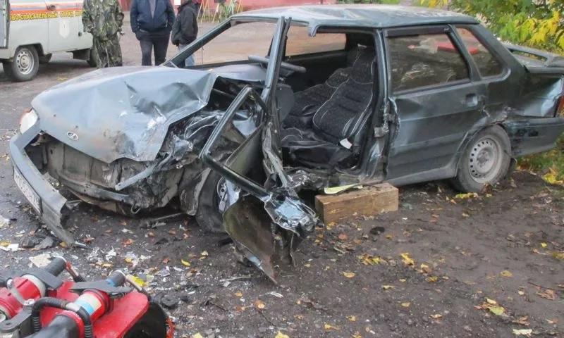 Два человека пострадали в крупном ДТП в Ростовском районе