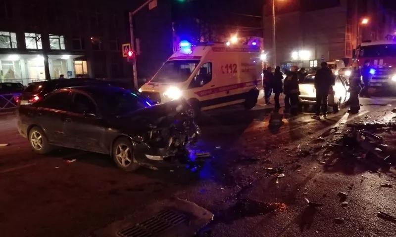 В ДТП в Красноперекопском районе Ярославля пострадали три человека