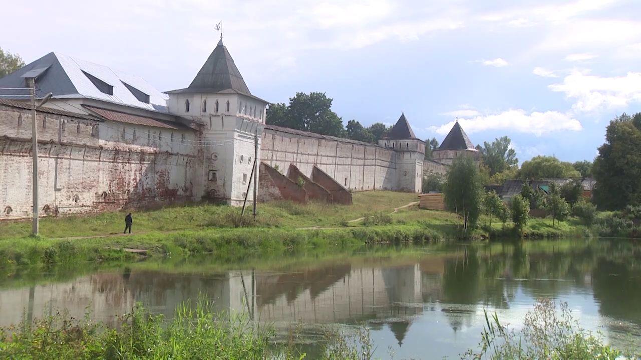 Утреннее шоу «Овсянка» от 21.10.20: гуляем по поселку Борисоглебский и готовим с Анастасией Дунской