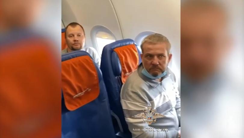 Объявленного в международный розыск ярославца экстрадировали в Москву из Барселоны
