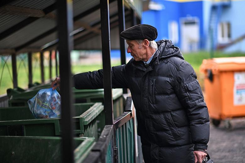 Новые мусорные контейнеры установили в Дзержинском районе Ярославля