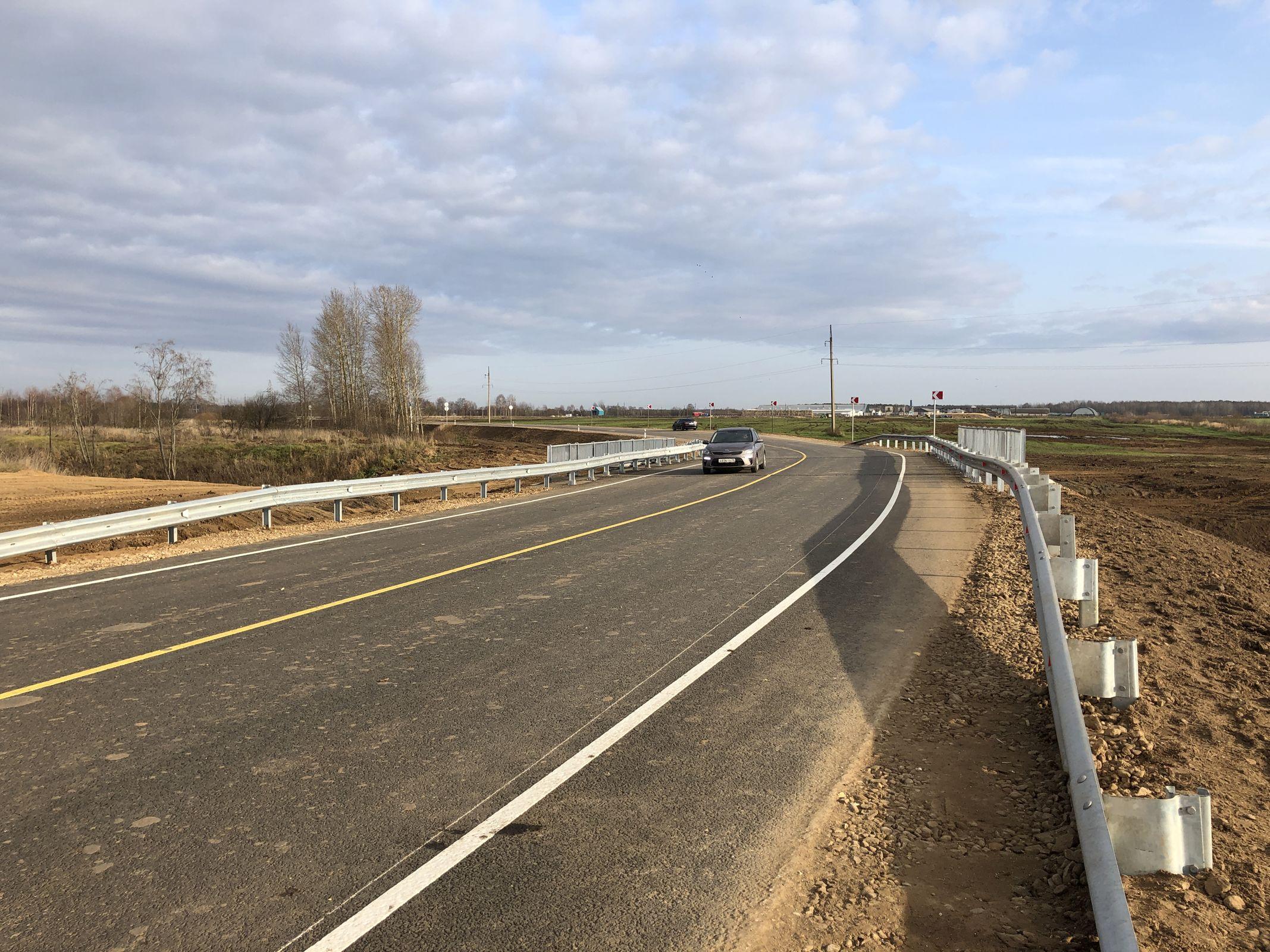 В Ростовском районе отремонтировали мост и участок дороги от Савинского