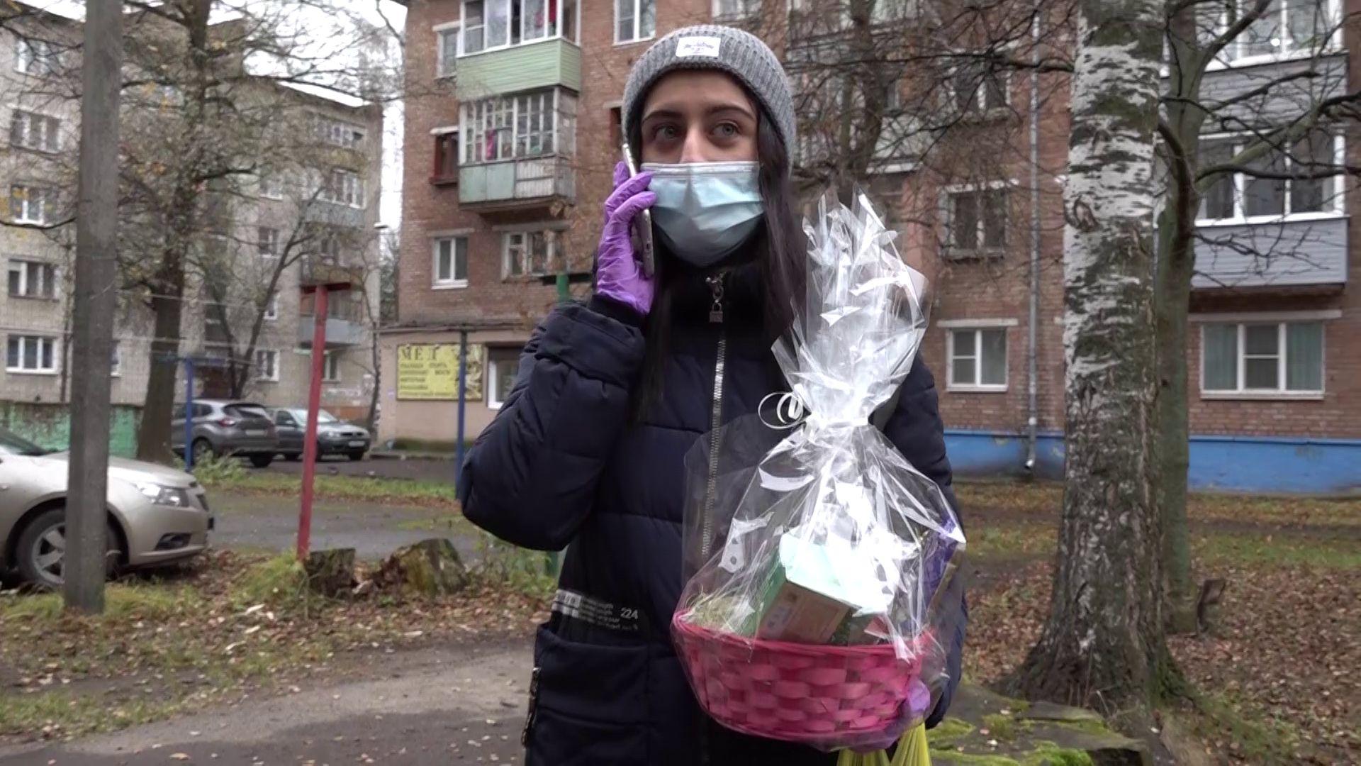 Ярославские волонтеры навещают одиноких пожилых людей