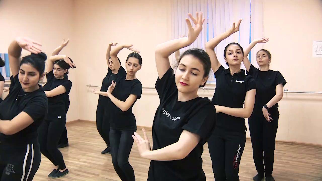 Утреннее шоу «Овсянка» от 03.11.20: читаем книги о Смутном времени и знакомимся с ансамблем армянского танца «Нур»