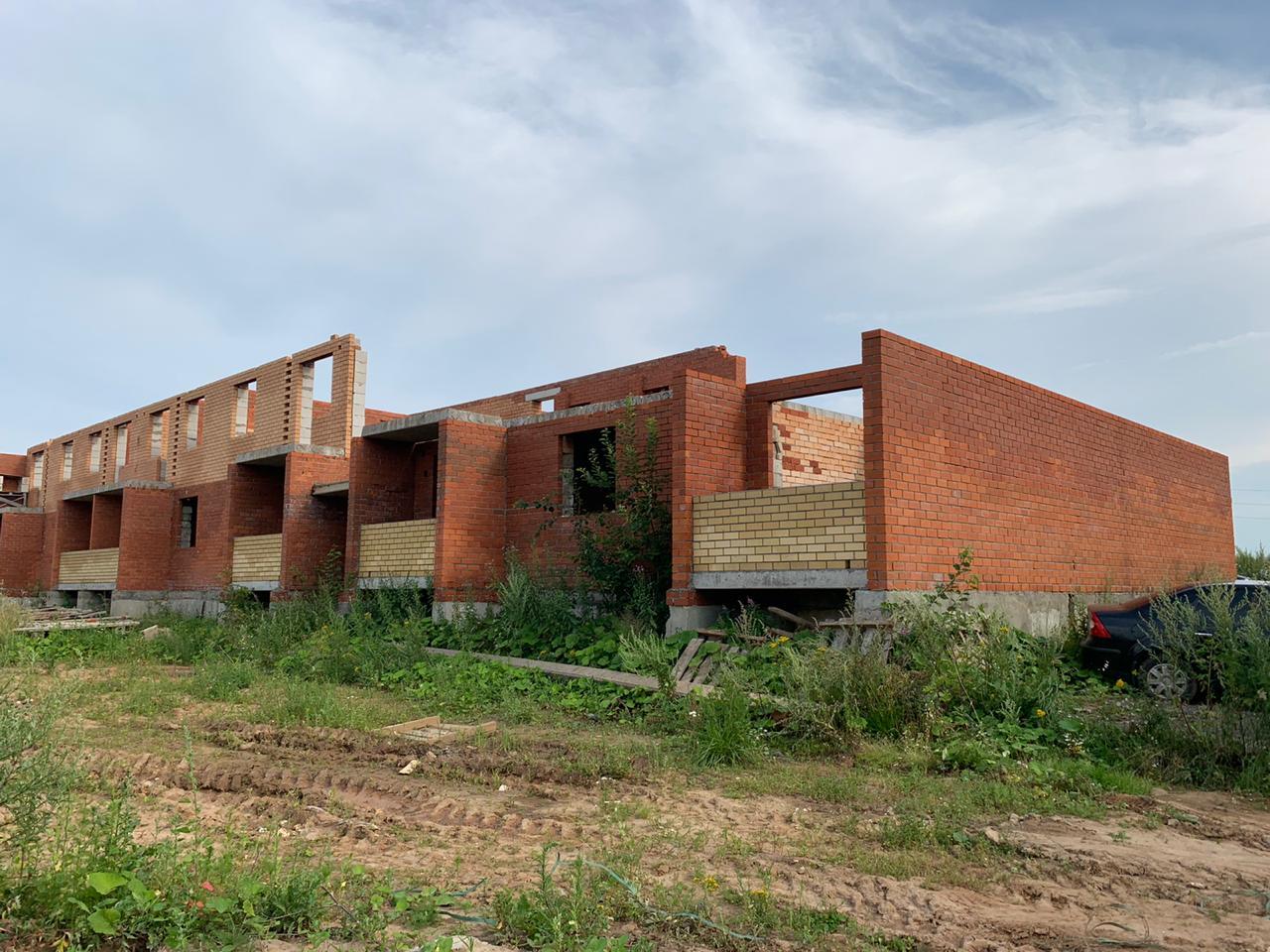 Дмитрий Миронов сообщил о решении проблемы 25 обманутых дольщиков по дому в поселке Щедрино