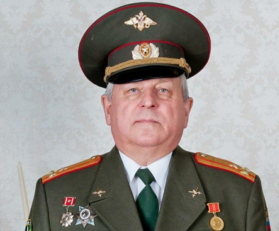 В Ярославле простились с бывшим главным военкомом Дзержинского района, полковником Юрием Суставовым