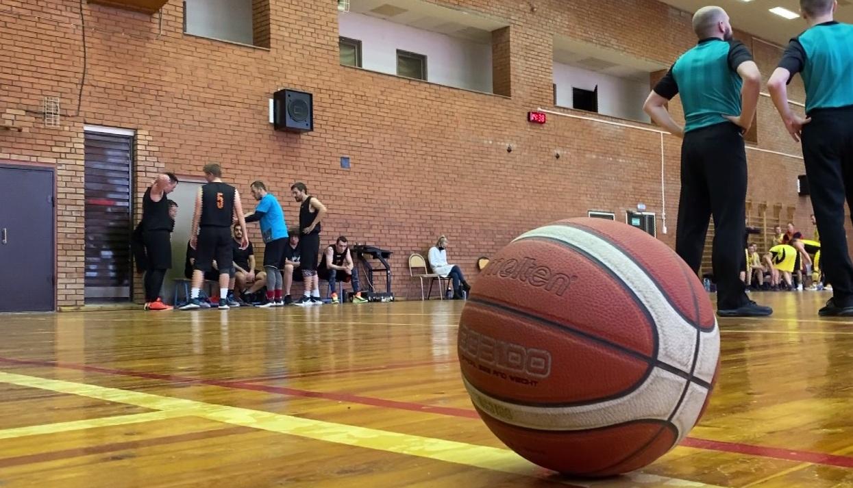 Любительская баскетбольная лига «Золотое кольцо» переехала в новый зал