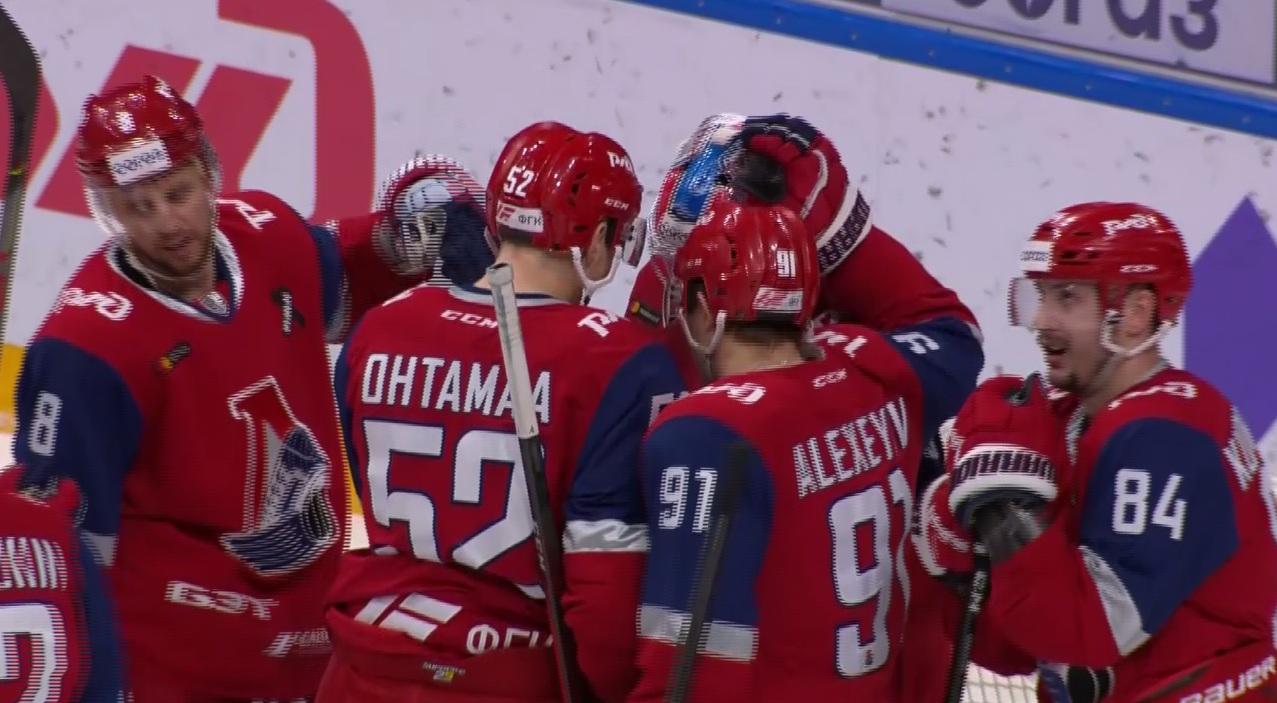 Ярославский «Локомотив» разгромил «Барыс»