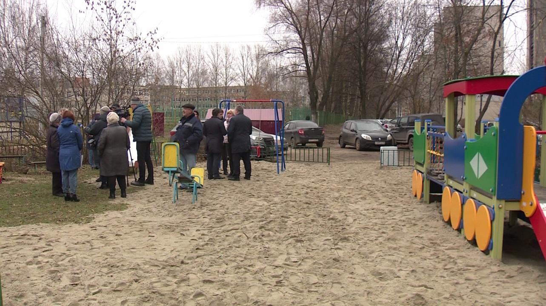В Ярославле отремонтировали двор на улице Калинина
