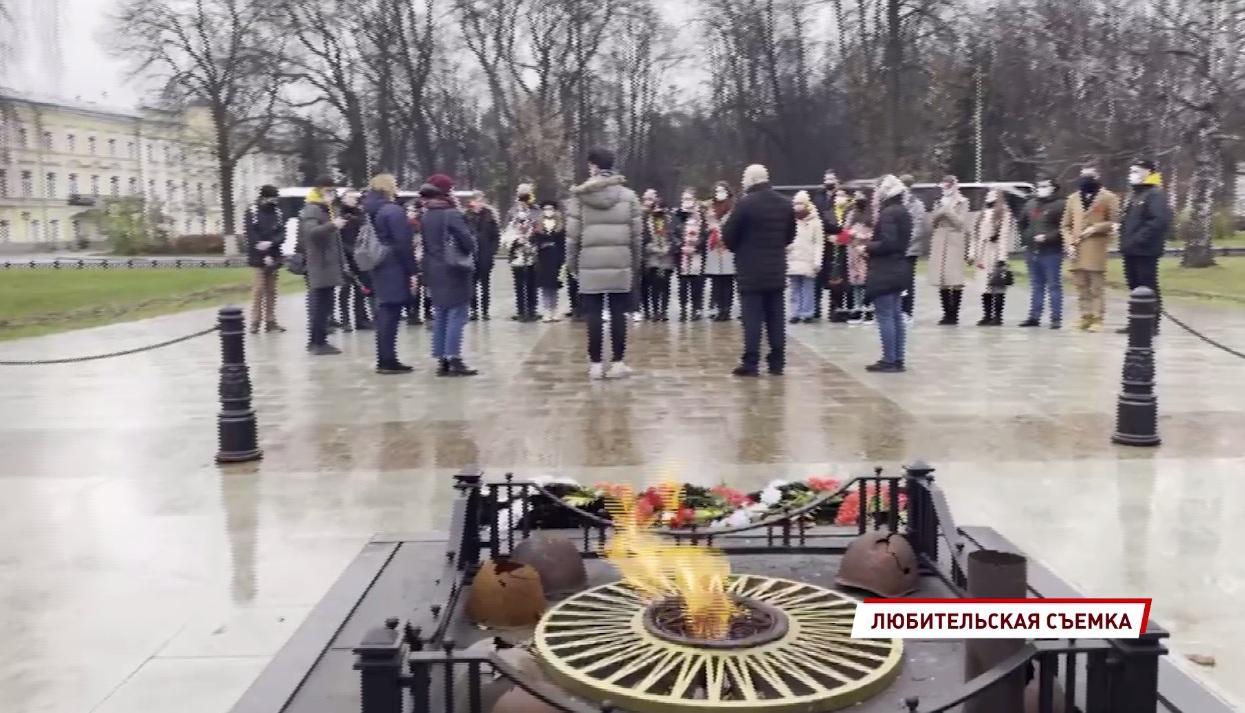 Ярославские и майкопские студенты написали послания будущему поколению и заложили капсулы памяти