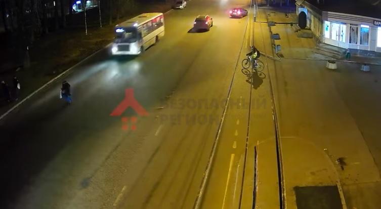 В Ярославле автобус сбил пенсионерку: видео и подробности ДТП
