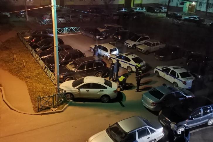 Ярославец при попытке скрыться от полиции протаранил сразу шесть автомобилей