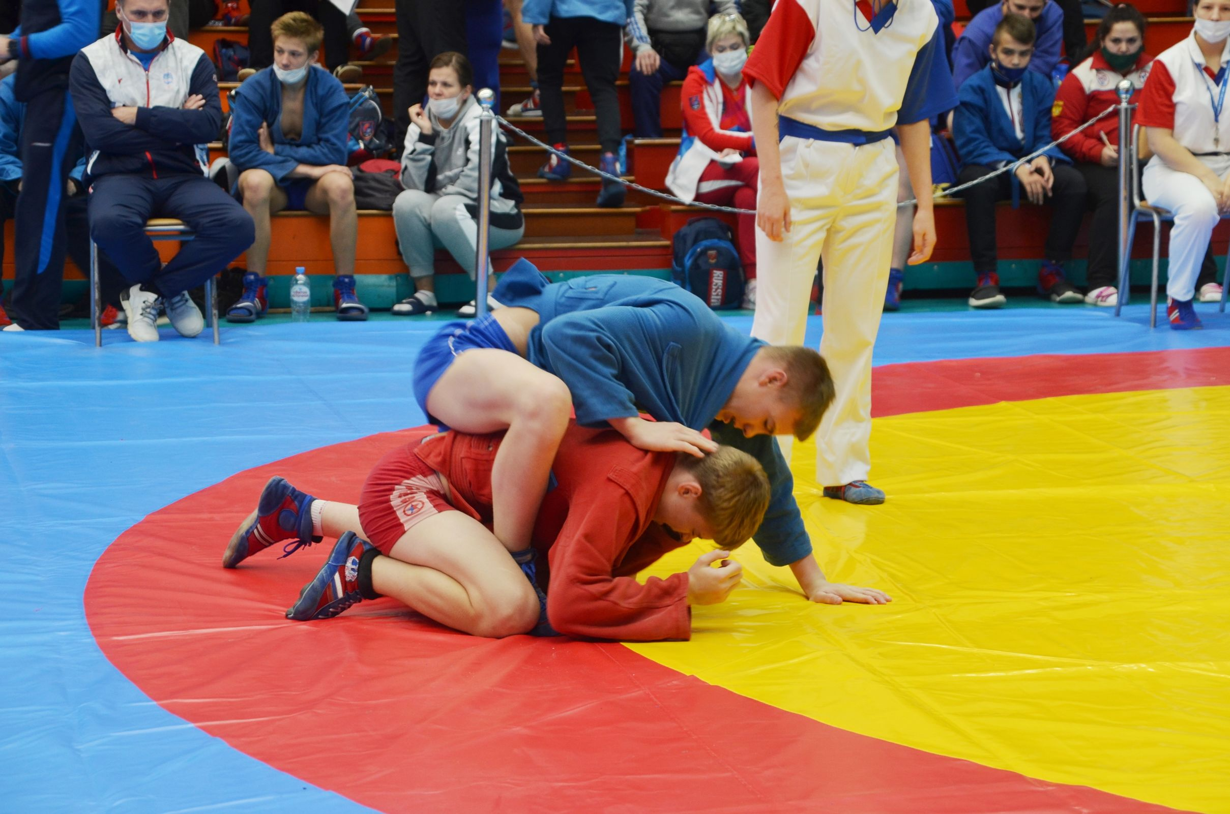 Ярославцы стали вторыми на турнире по самбо на Кубок губернатора