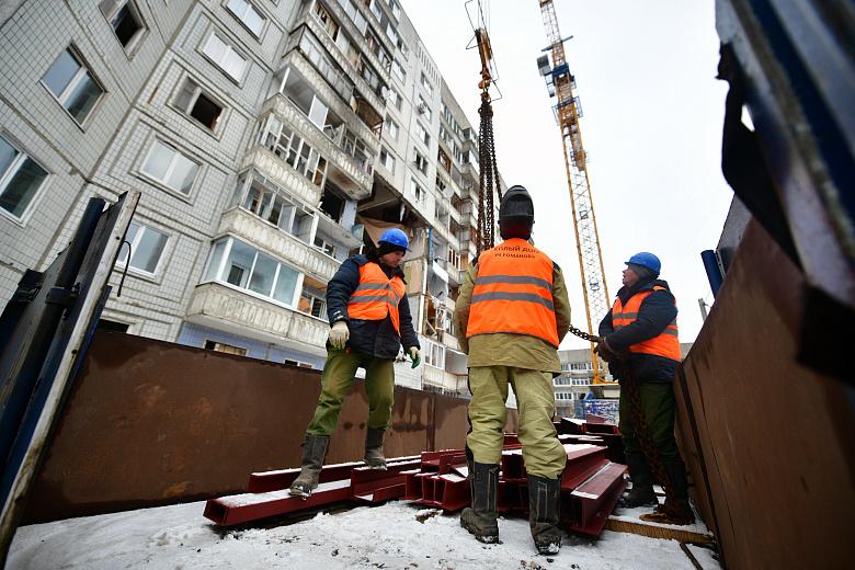 В пострадавшем от взрыва газа доме на Батова начали противоаварийные работы