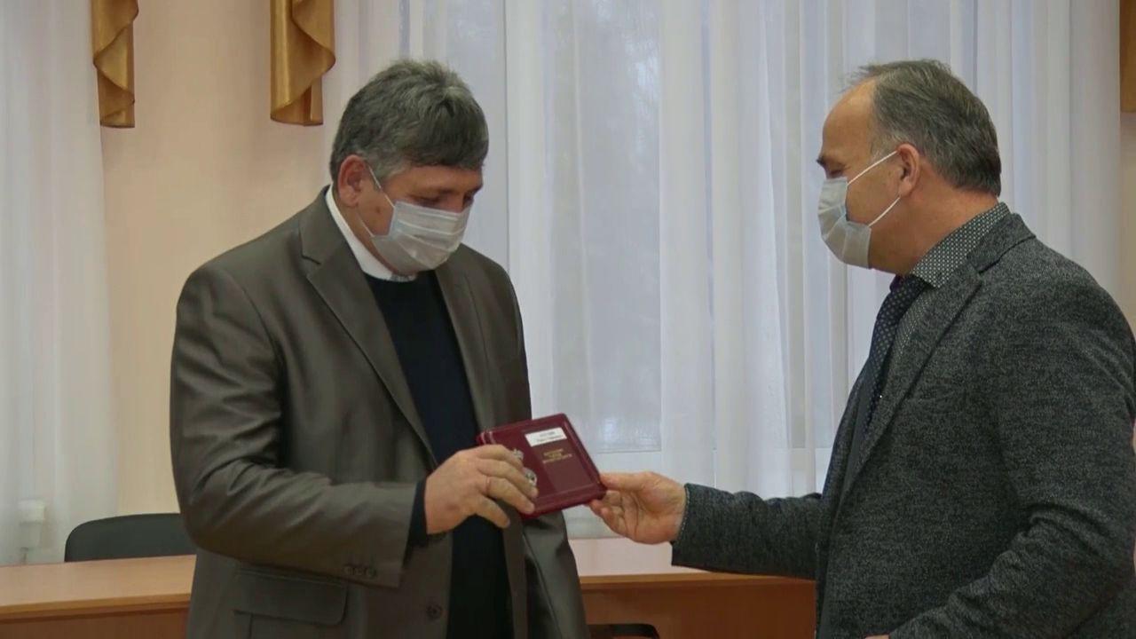 В регионе отличившимся семьям вручали Медали за верность родительскому долгу