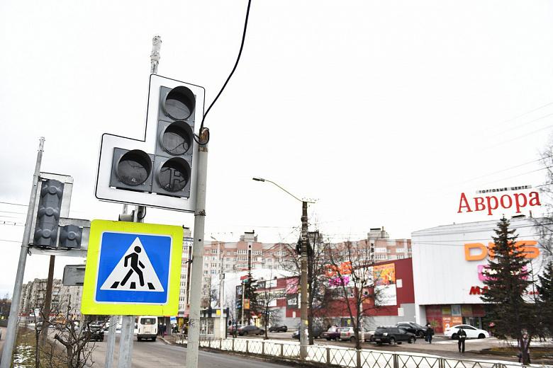 В Заволжском районе началась модернизация светофоров