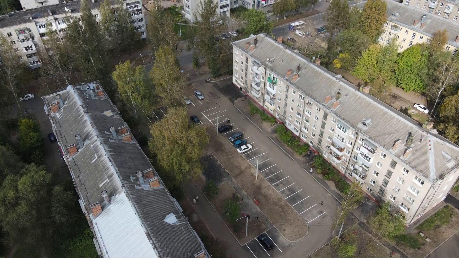 В Ярославле вместо 22 придомовых территорий удалось благоустроить 23