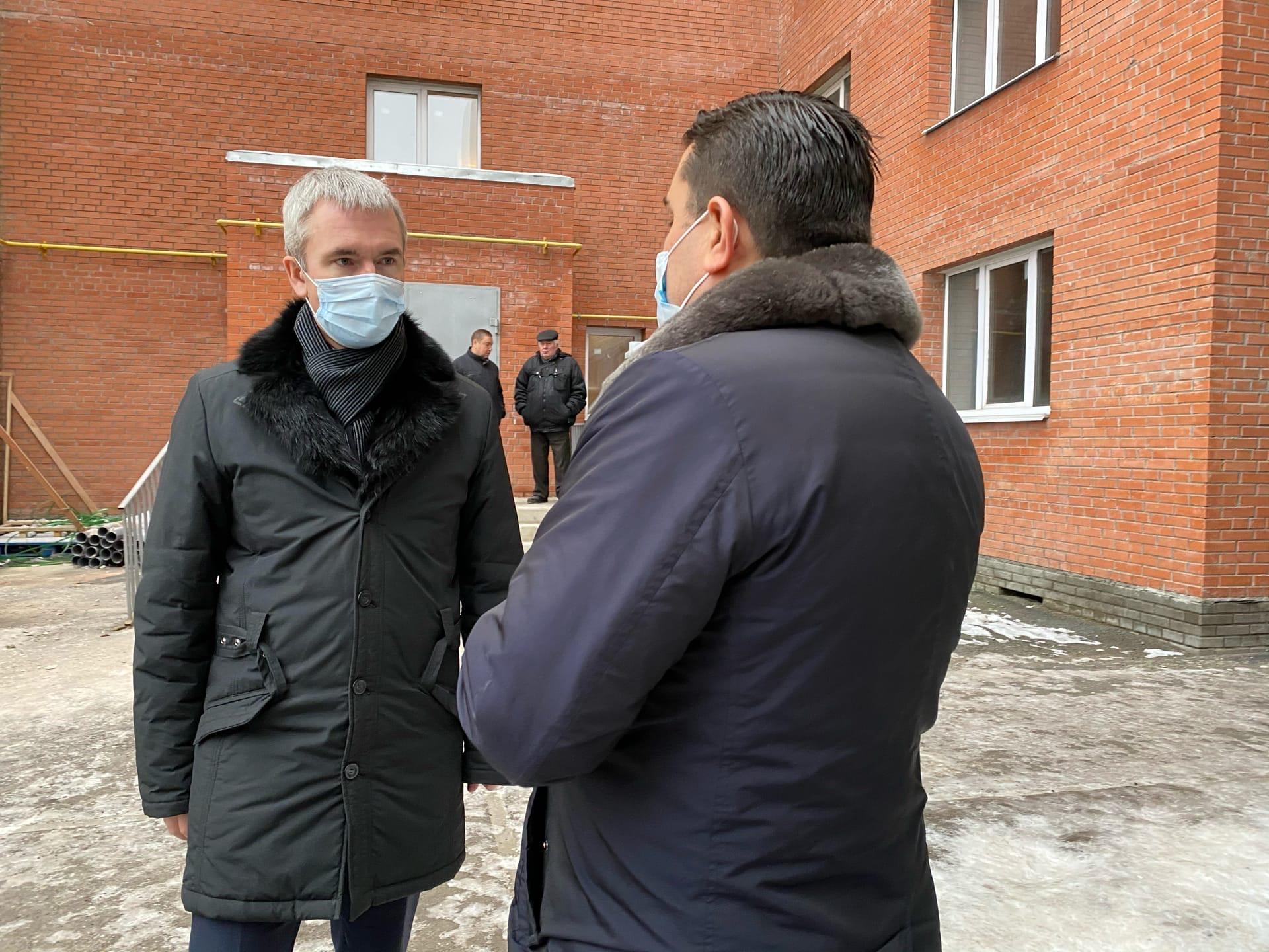 Проблемный дом на улице Крылова в Ярославле пообещали сдать уже в начале следующего года