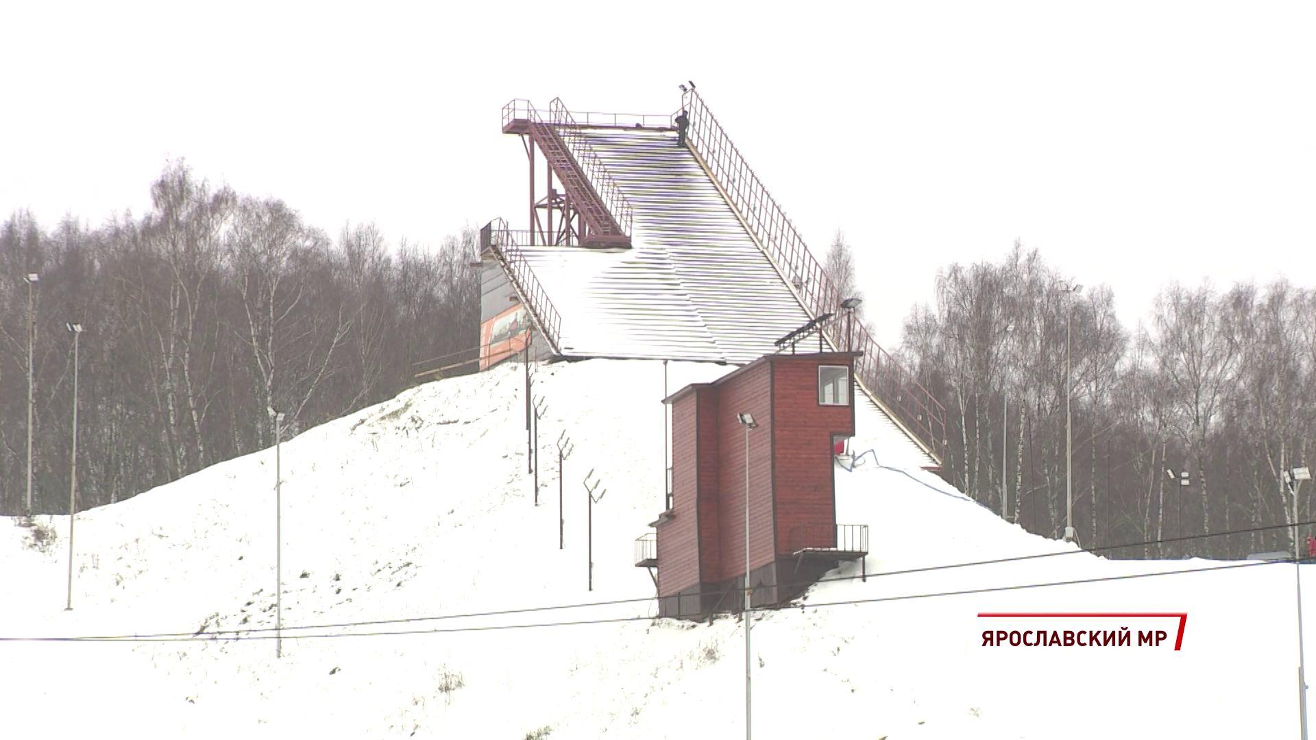 В Подолино продолжают готовиться к этапу Кубка мира по фристайлу в дисциплине лыжная акробатика