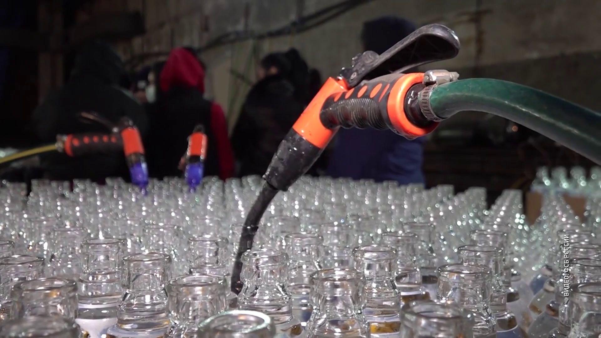 Руководитель завода, который нелегально изготовлял алкоголь, находится в федеральном розыске