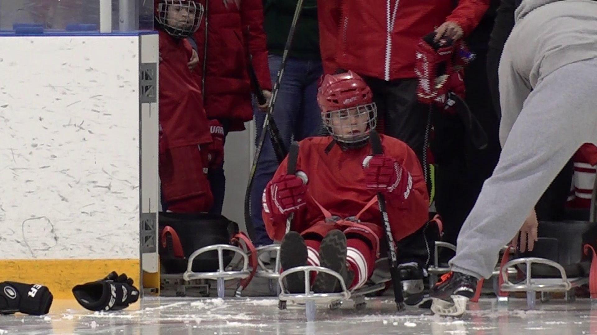 Ярославская команда по следж-хоккею впервые вышла на лед