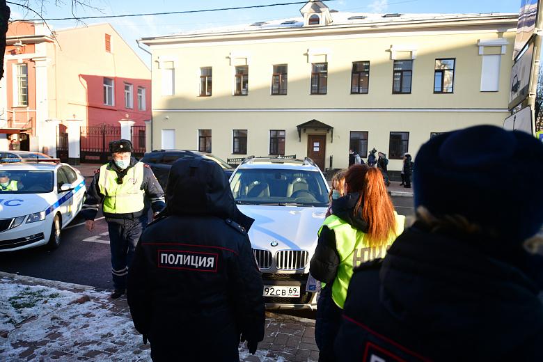 Пять водителей оштрафовали, один автомобиль эвакуировали: Госавтоинспекция проверила соблюдение правил парковки