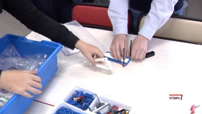 3D-принтеры, квадрокоптеры и прочая современная техника поступила в образовательные центры Ярославской области