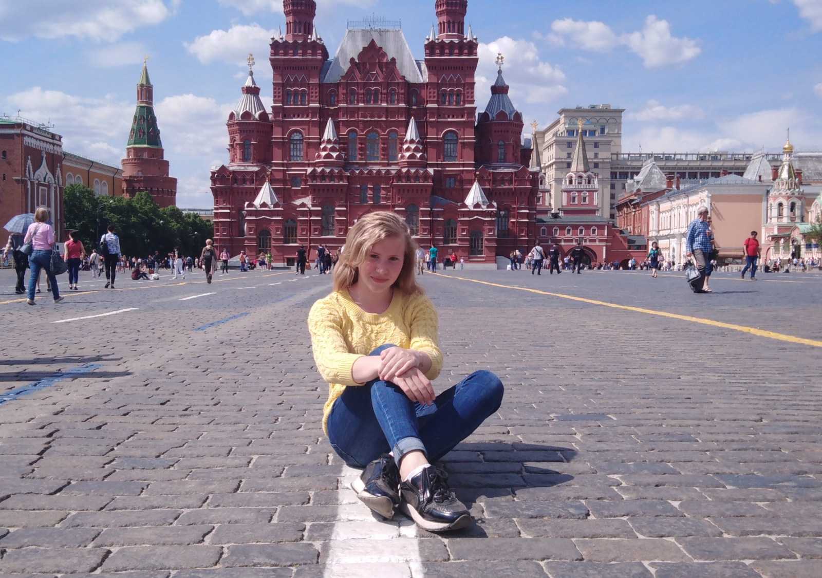 В Ярославле посмертно наградили 14-летнюю девочку, спасшую подругу