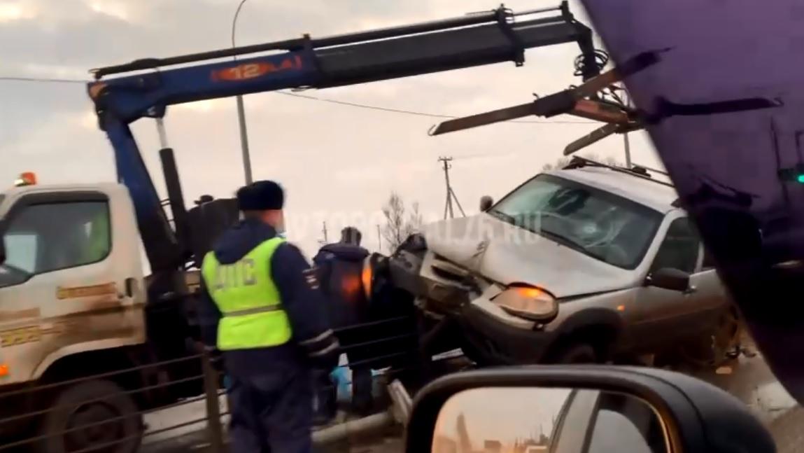 Утреннее ДТП спровоцировало большую пробку в Дзержинском районе Ярославля