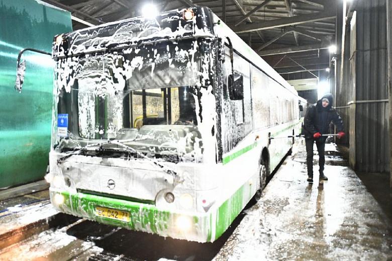 Правительство Москвы подарило Ярославлю 13 вместительных автобусов