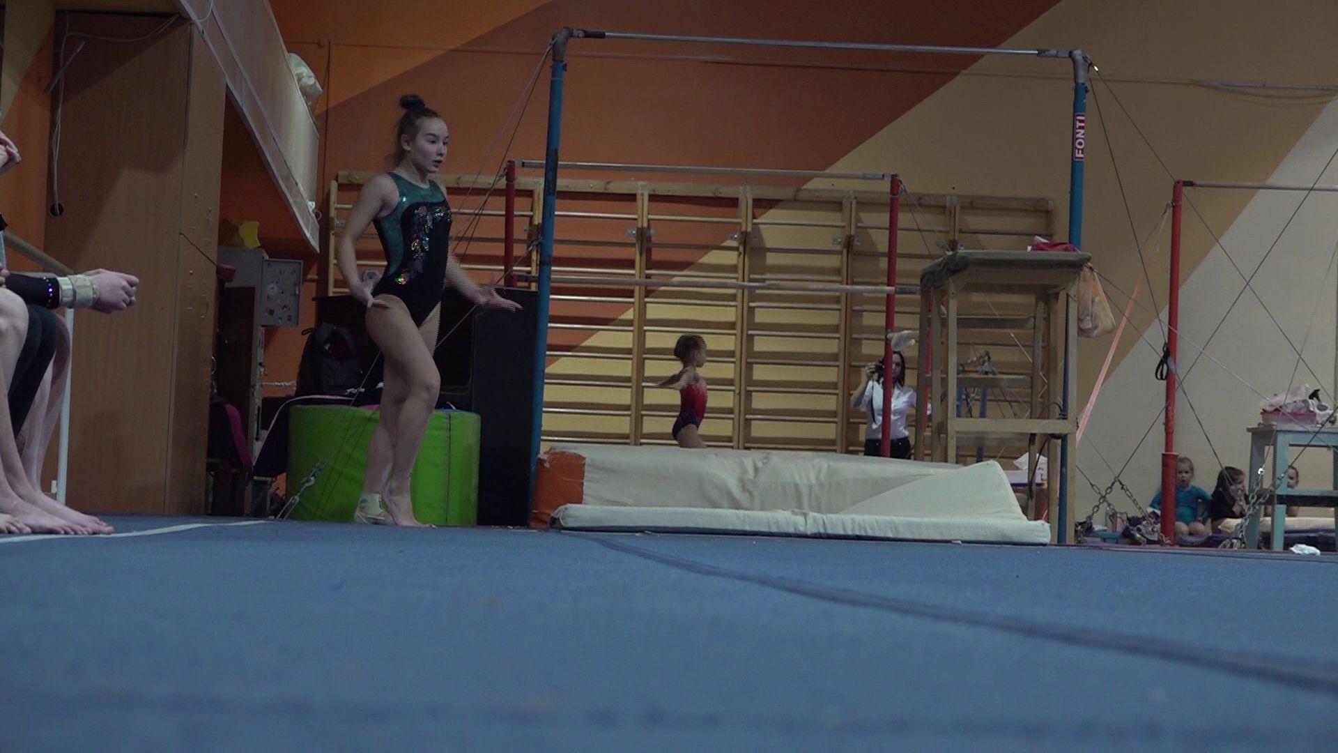 В Ярославле стартовал чемпионат и первенство области по спортивной гимнастике
