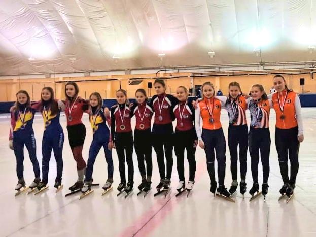 15 конькобежцев из Ярославской области вышли в полуфинал всероссийских соревнований по шорт-треку