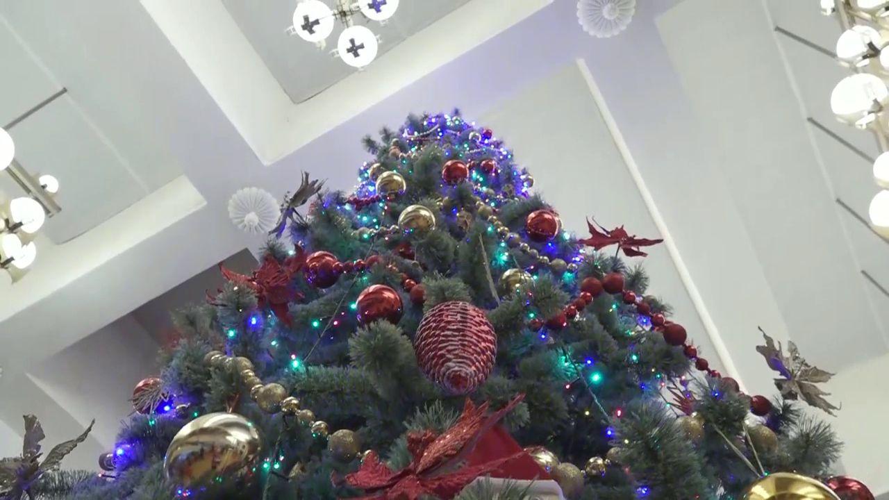 В ярославском ТЮЗе прошли первые новогодние представления для детей из малоимущих и многодетных семей