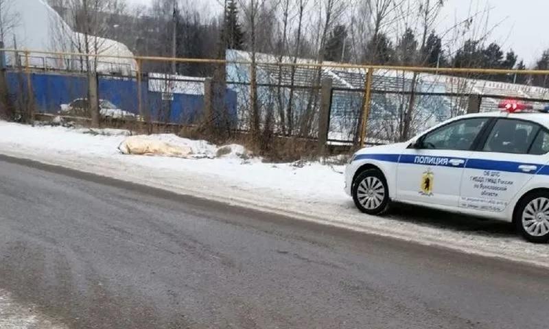 Во Фрунзенском районе Ярославля прохожие обнаружили на улице тело мужчины