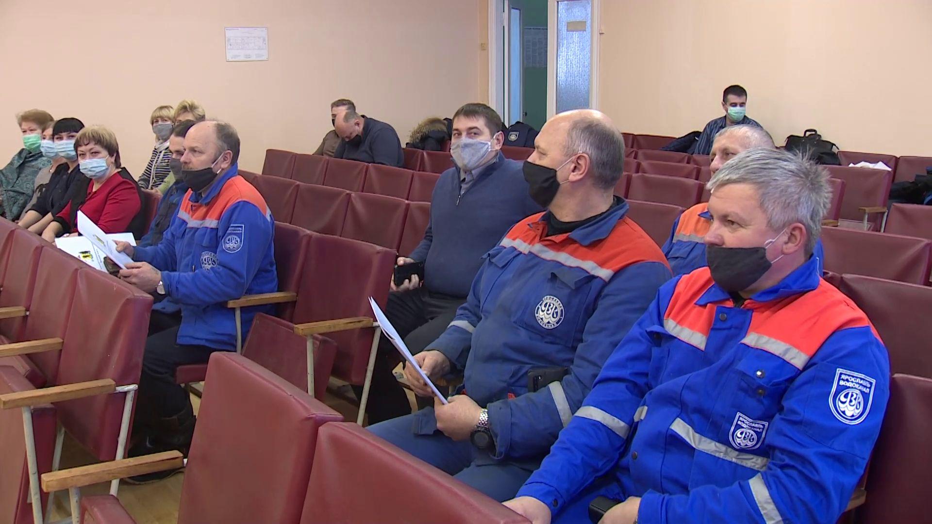 В Ярославле наградили сотрудников Водоканала, спасших ребенка