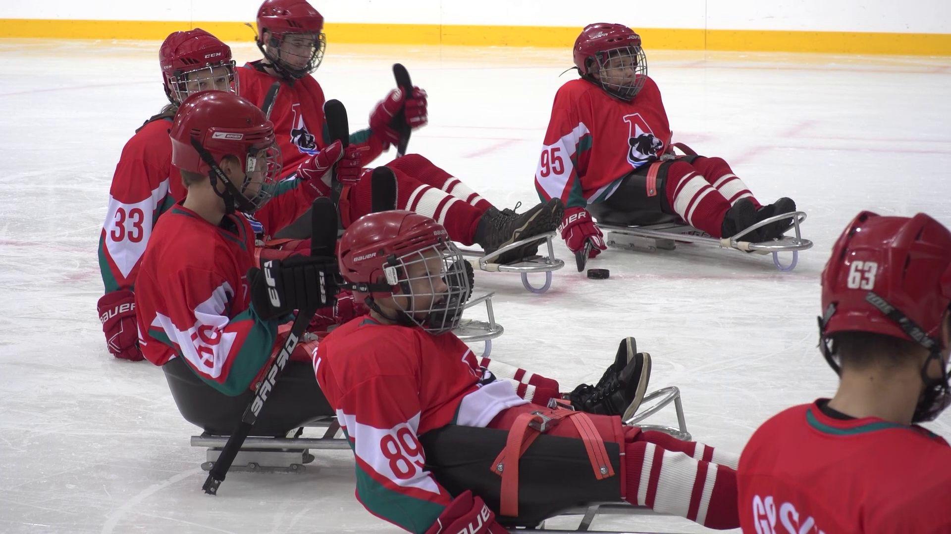 Дмитрий Миронов посетил первый матч ярославской команды по следж-хоккею