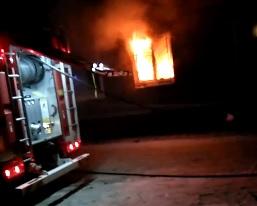 Ярославцы решили «эффектно проводить суровый 2020-й» и случайно сожгли комнату