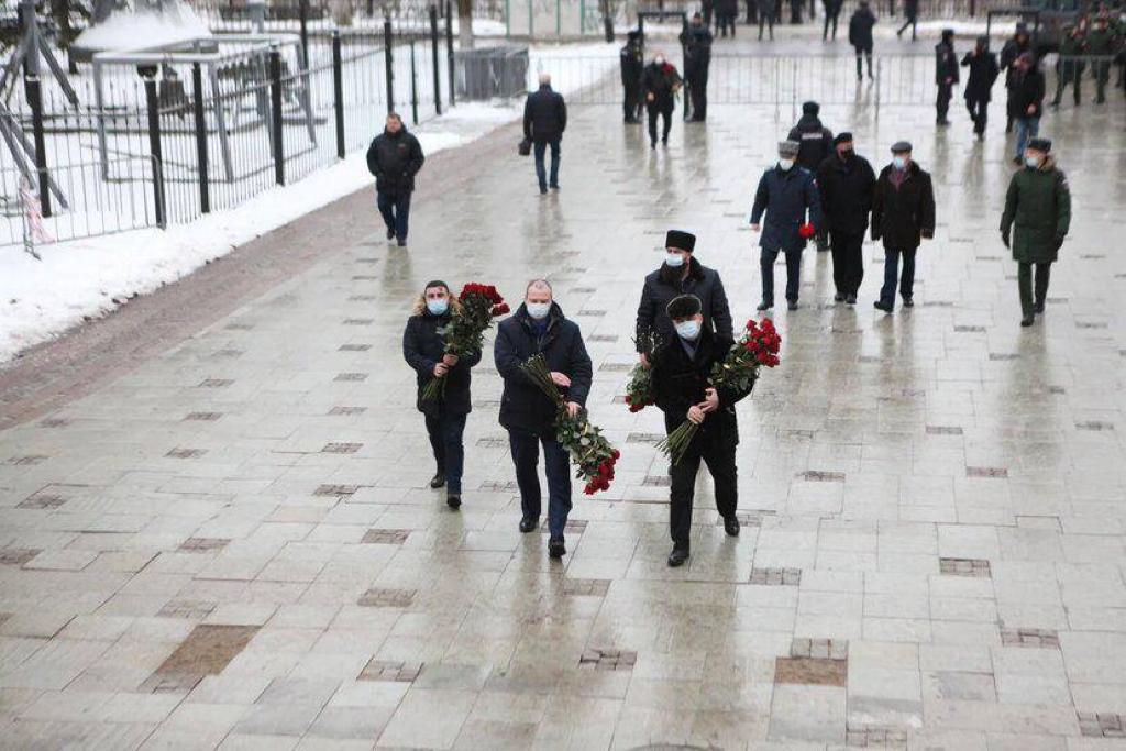 В Ярославле прошла церемония прощания с председателем областной Думы Алексеем Константиновым