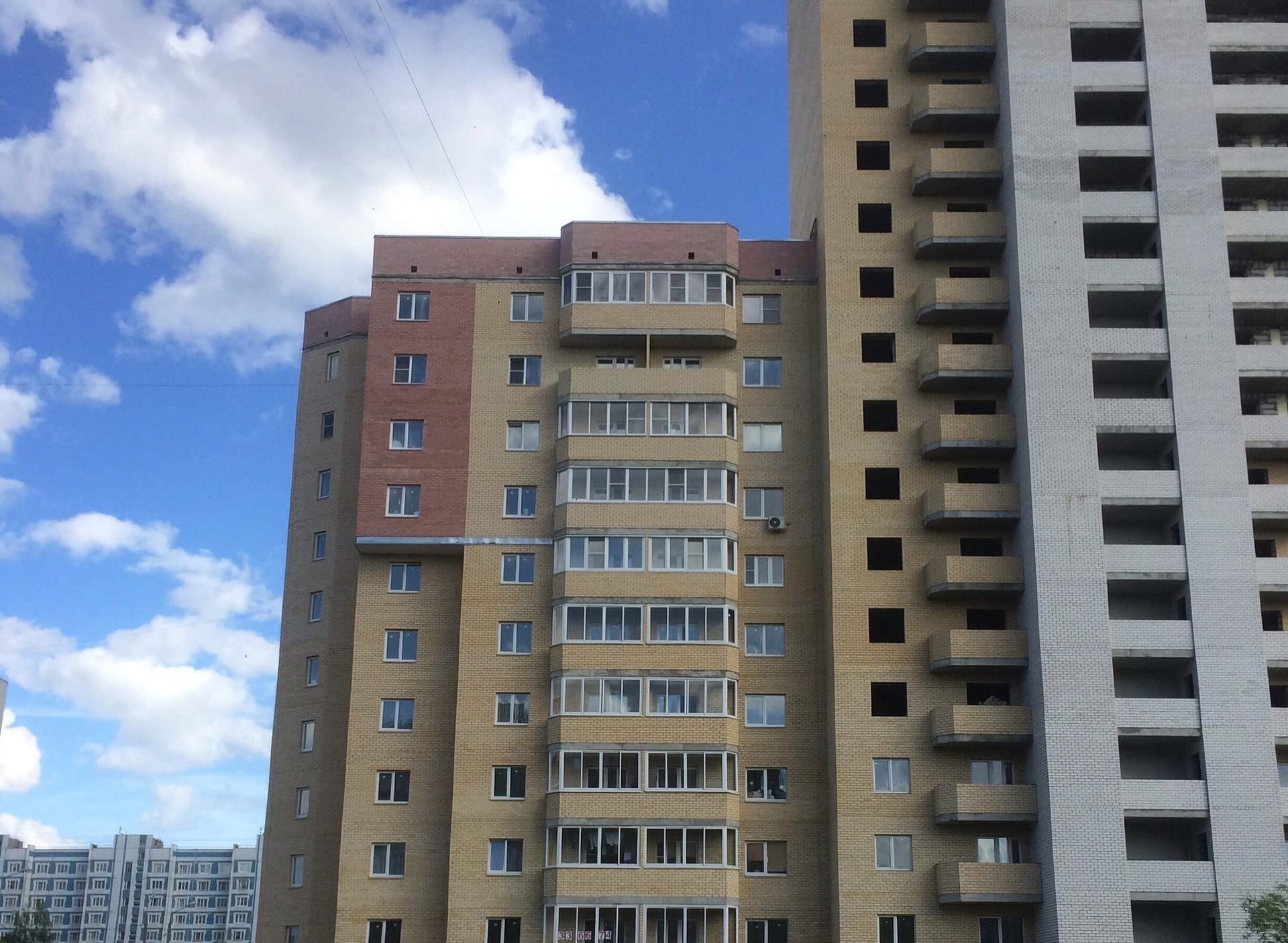 Проблемный дом на улице Саукова в Ярославле достроят