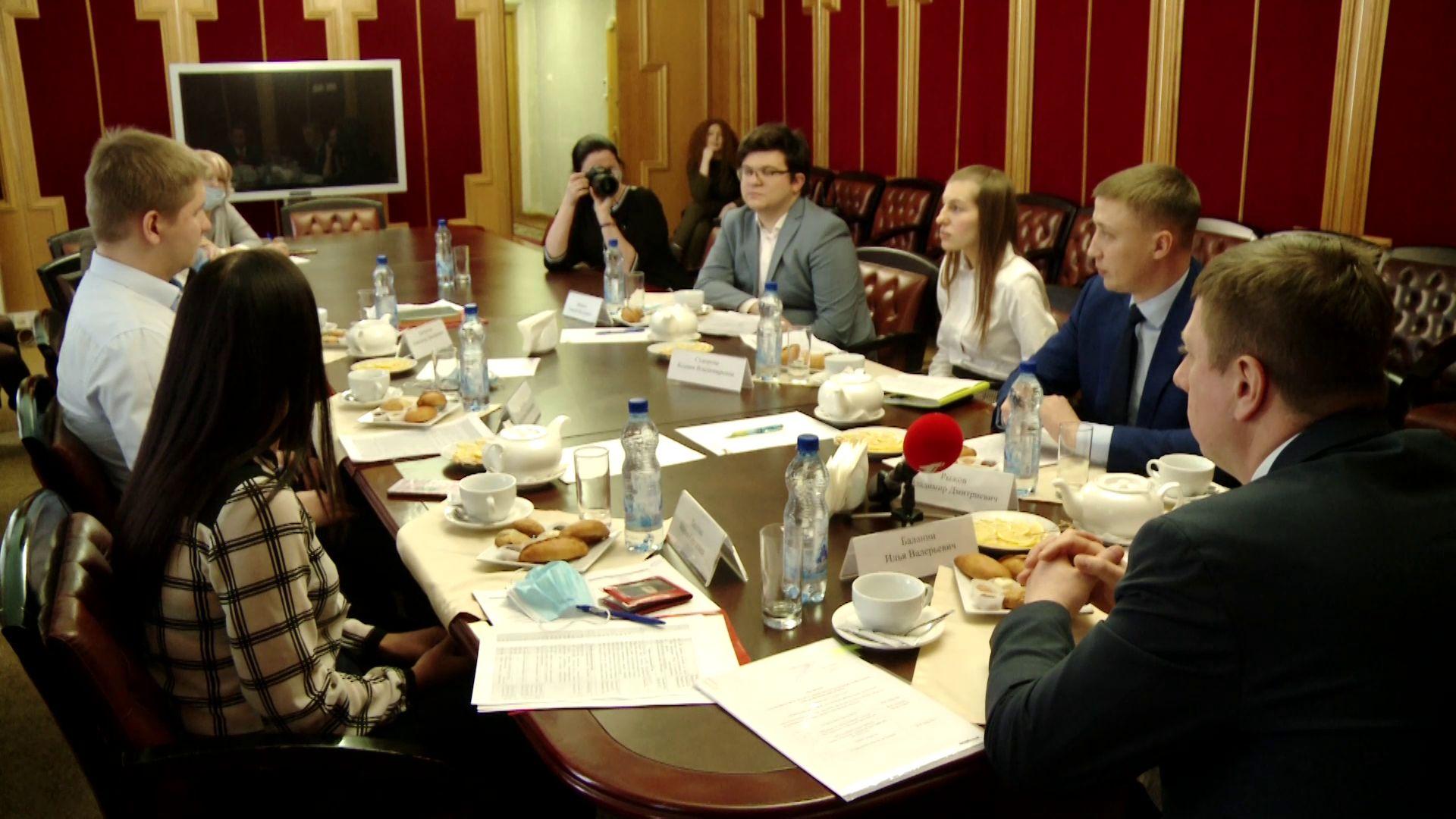 В Ярославле активисты обсудили вопросы мотивации и дополнительного обучения сотрудников
