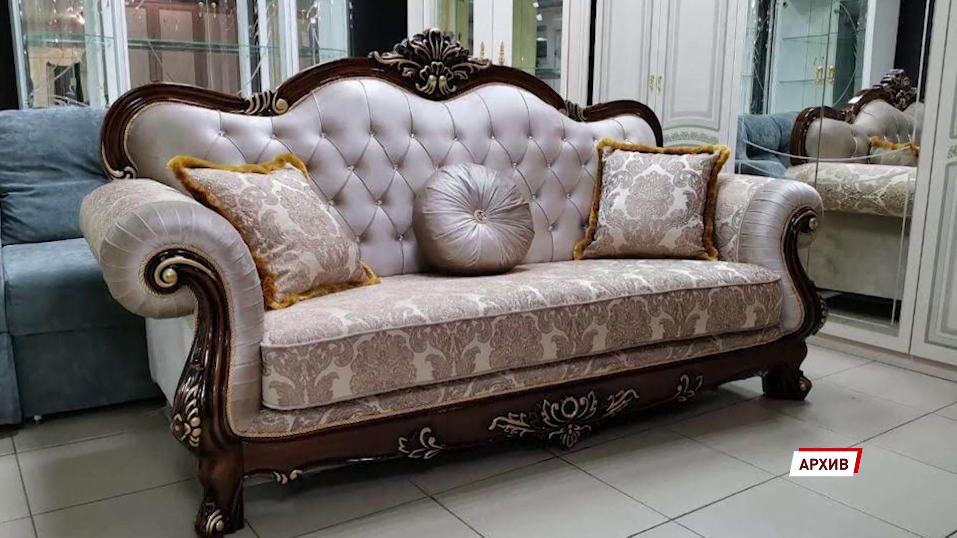 Судебные приставы нагрянули в ярославский мебельный магазин