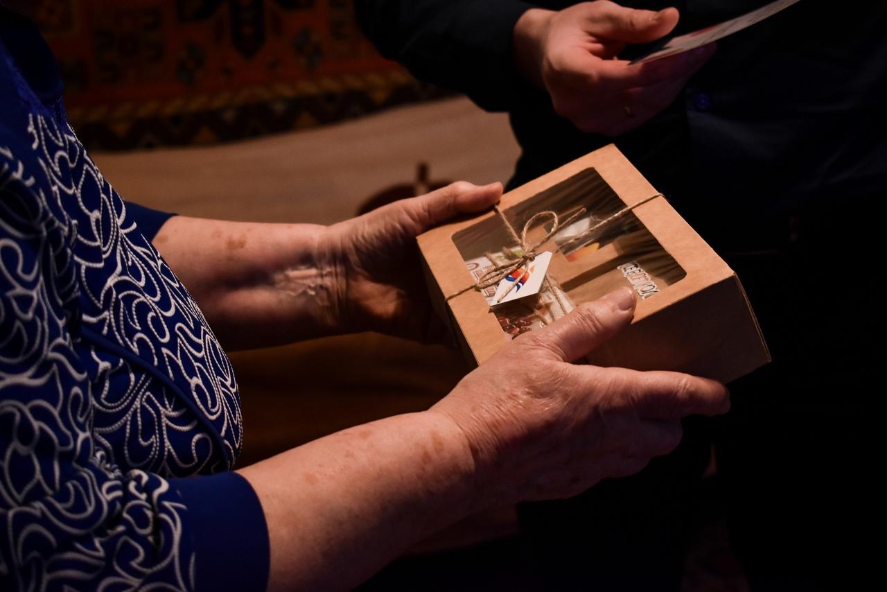 Волонтеры Ярославской области передали подарки и слова благодарности жителям блокадного Ленинграда