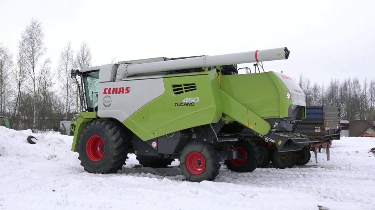 В Ярославскую область прибыл первый новый зерноуборочный комбайн