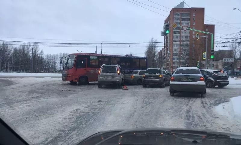 В Ярославле за один день в ДТП пострадали две маршрутки